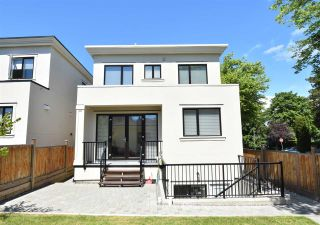 Photo 3: 4402 W 9TH Avenue in Vancouver: Point Grey House for sale (Vancouver West)  : MLS®# R2583845