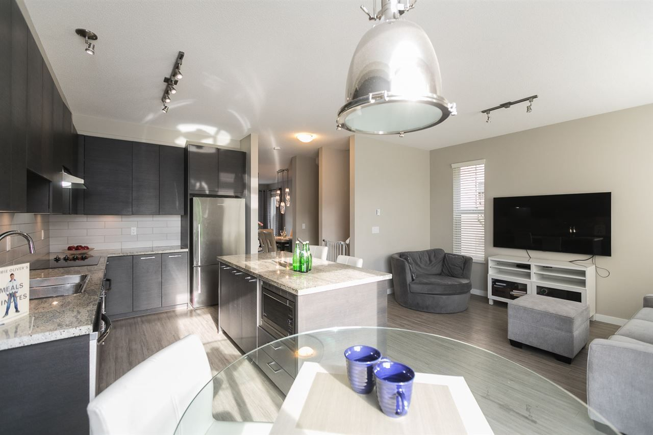 """Photo 9: Photos: 23 10489 DELSOM Crescent in Delta: Nordel Townhouse for sale in """"Eclipse"""" (N. Delta)  : MLS®# R2336584"""