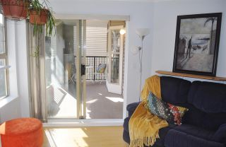 """Photo 5: 316 214 ELEVENTH Street in New Westminster: Uptown NW Condo for sale in """"Discovery Beach"""" : MLS®# R2548375"""
