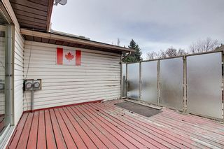 Photo 23: 329 Woodvale Crescent SW in Calgary: Woodlands Semi Detached for sale : MLS®# A1093334