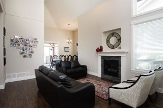 """Photo 10: 12 1705 PARKWAY Boulevard in Coquitlam: Westwood Plateau House for sale in """"TANGO"""" : MLS®# R2561480"""
