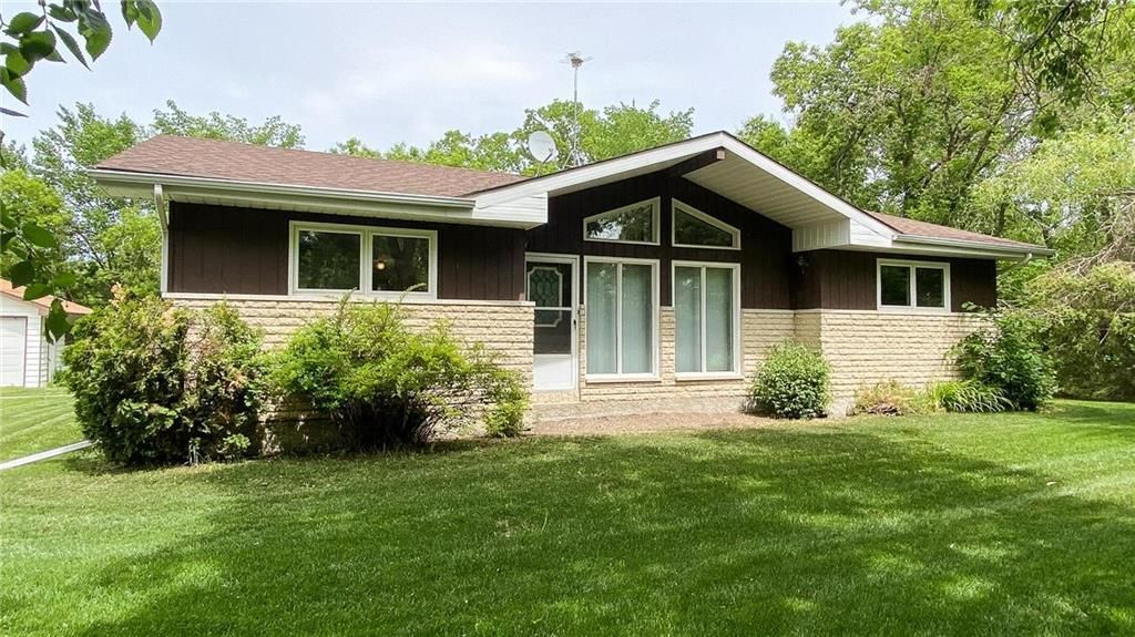 Main Photo: 34155 ZORA Road in Cooks Creek: House for sale : MLS®# 202122632