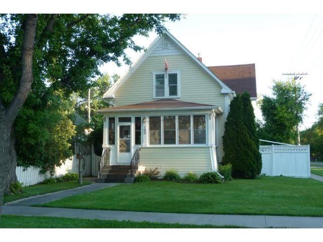 Main Photo: 162 Seven Oaks Avenue in WINNIPEG: West Kildonan / Garden City Residential for sale (North West Winnipeg)  : MLS®# 1213739