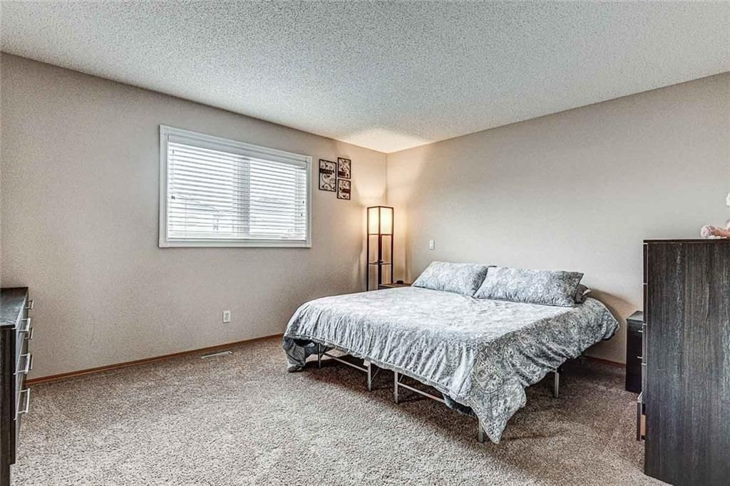 Photo 18: Photos: 25 THORNLEIGH Way SE: Airdrie Detached for sale : MLS®# C4282676