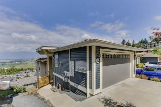 """Photo 1: 32 6026 LINDEMAN Street in Chilliwack: Promontory Townhouse for sale in """"Hillcrest Lane"""" (Sardis)  : MLS®# R2485798"""