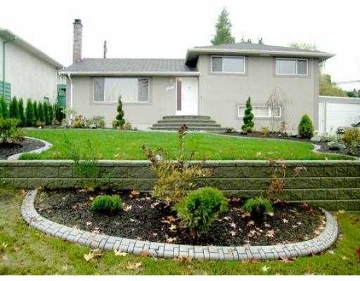 Main Photo: 6636 OAKLAND ST in Burnaby: Upper Deer Lake House for sale (Burnaby South)  : MLS®# V538349