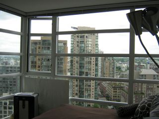 """Photo 5: 1804 1199 SEYMOUR Street in Vancouver: Downtown VW Condo for sale in """"BRAVA"""" (Vancouver West)  : MLS®# R2058991"""