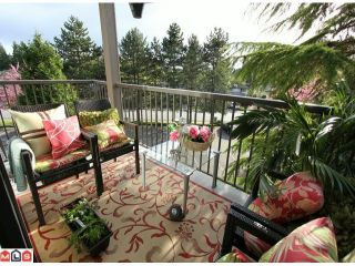 """Photo 3: 202 1740 SOUTHMERE Crescent in Surrey: Sunnyside Park Surrey Condo for sale in """"CAPSTAN WAY - SPINNAKER II"""" (South Surrey White Rock)  : MLS®# F1211608"""