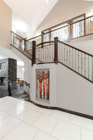 Photo 10: 3105 81 Street SW in Calgary: Springbank Hill Detached for sale : MLS®# A1153314