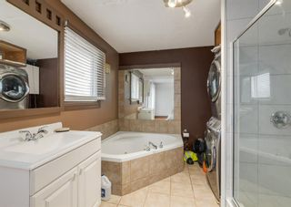 Photo 16: 253 Bedford Circle NE in Calgary: Beddington Heights Semi Detached for sale : MLS®# A1102604