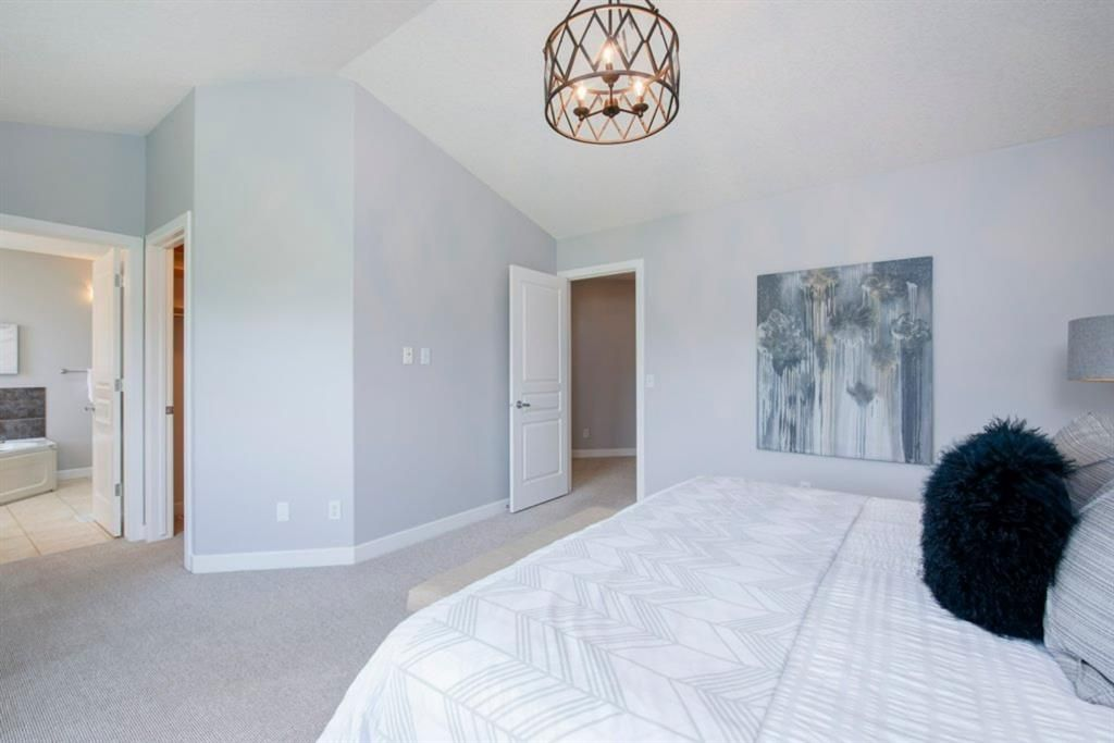 Photo 23: Photos: 32 Prominence Park SW in Calgary: Patterson Row/Townhouse for sale : MLS®# A1112438