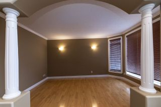 Photo 7: 239 Tory Crescent in Edmonton: Zone 14 House for sale : MLS®# E4234067