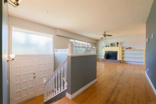 Photo 3: 2455 Marlborough Dr in : Na Departure Bay House for sale (Nanaimo)  : MLS®# 882305
