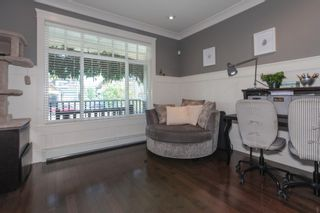 Photo 2: 1425 FINLAY Street: White Rock House for sale (South Surrey White Rock)  : MLS®# R2380364