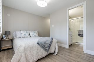 """Photo 12: 119 1840 160 Street in Surrey: King George Corridor Manufactured Home for sale in """"Breakaway Bays"""" (South Surrey White Rock)  : MLS®# R2598312"""