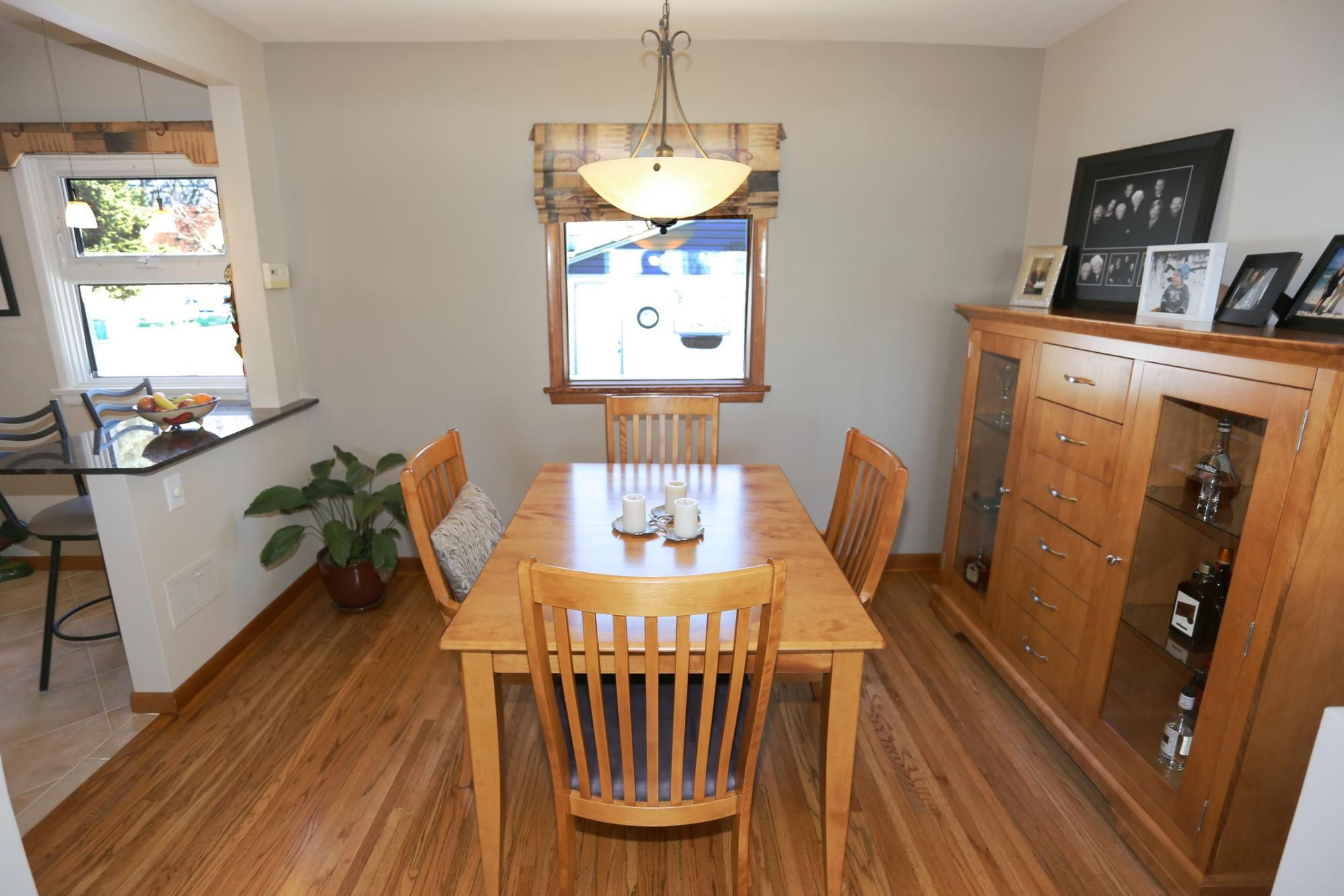 Photo 8: Photos: 349 Guildford Street in Winnipeg: St James Single Family Detached for sale (5E)  : MLS®# 1807654