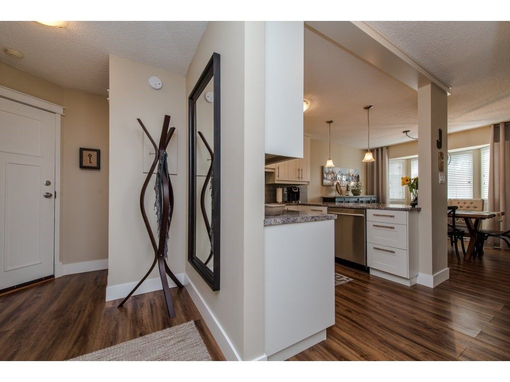"Photo 4: Photos: 302 32089 OLD YALE Road in Abbotsford: Abbotsford West Condo for sale in ""HEATHER RIDGE"" : MLS®# R2113842"