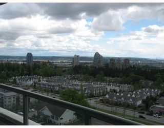 """Photo 9: 1703 6611 SOUTHOAKS Crescent in Burnaby: Middlegate BS Condo for sale in """"GEMINI I"""" (Burnaby South)  : MLS®# V667416"""