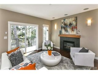 Photo 4: 3 2319 Chilco Rd in VICTORIA: VR Six Mile Row/Townhouse for sale (View Royal)  : MLS®# 728058