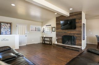 Photo 6: LAKESIDE House for sale : 3 bedrooms : 9111 Paradise Park Dr