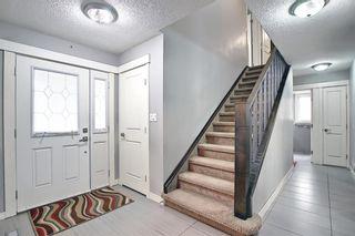 Photo 4: 23 Castlefall Way NE in Calgary: Castleridge Detached for sale : MLS®# A1141276
