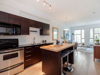 """Photo 4: 212 205 E 10TH Avenue in Vancouver: Mount Pleasant VE Condo for sale in """"The Hub"""" (Vancouver East)  : MLS®# R2621632"""
