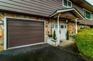 Photo 3: 20280 47 Avenue in Langley: Langley City House for sale : MLS®# R2567396
