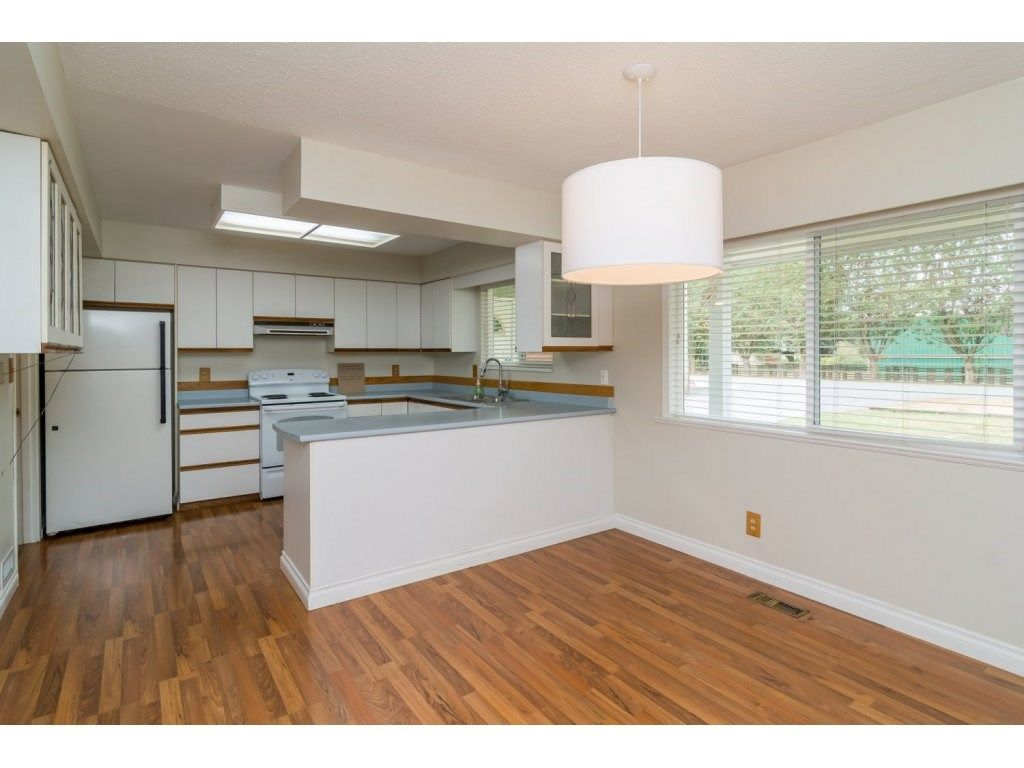 Photo 8: Photos: 9058 WRIGHT Street in Langley: Fort Langley House for sale : MLS®# R2104173