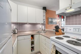 """Photo 4: 904 1146 HARWOOD Street in Vancouver: West End VW Condo for sale in """"Lamplighter"""" (Vancouver West)  : MLS®# R2258222"""
