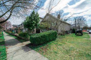 "Photo 18: 2504 NAPIER Street in Vancouver: Renfrew VE House for sale in ""RENFREW"" (Vancouver East)  : MLS®# R2449289"