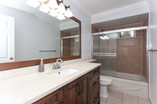 """Photo 12: 5811 ANGUS Place in Surrey: Cloverdale BC House for sale in """"Jersey Hills"""" (Cloverdale)  : MLS®# R2326051"""
