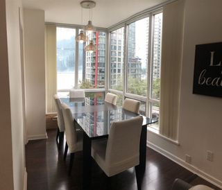 """Photo 8: 703 1166 MELVILLE Street in Vancouver: Coal Harbour Condo for sale in """"ORCA PLACE"""" (Vancouver West)  : MLS®# R2513384"""