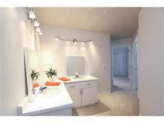 Photo 16: 74 Hopwood Drive in Winnipeg: Tuxedo Residential for sale (1E)  : MLS®# 1700022