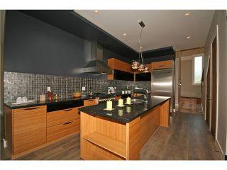 Photo 2: 6697 SPERLING Avenue in Burnaby: Upper Deer Lake 1/2 Duplex for sale (Burnaby South)  : MLS®# V1006037