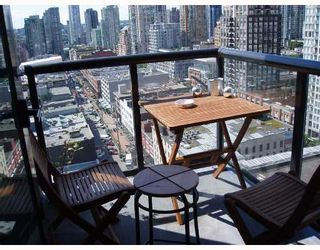 """Photo 4: 2010 977 MAINLAND Street in Vancouver: Downtown VW Condo for sale in """"YALETOWN PARK 3"""" (Vancouver West)  : MLS®# V729730"""