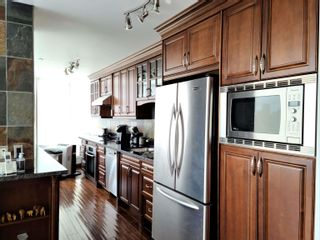 """Photo 3: 2301 1200 ALBERNI Street in Vancouver: West End VW Condo for sale in """"PALISADES"""" (Vancouver West)  : MLS®# R2605093"""