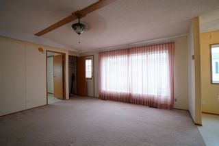 Photo 4: 17 King Crescent in Portage la Prairie RM: House for sale : MLS®# 202112449