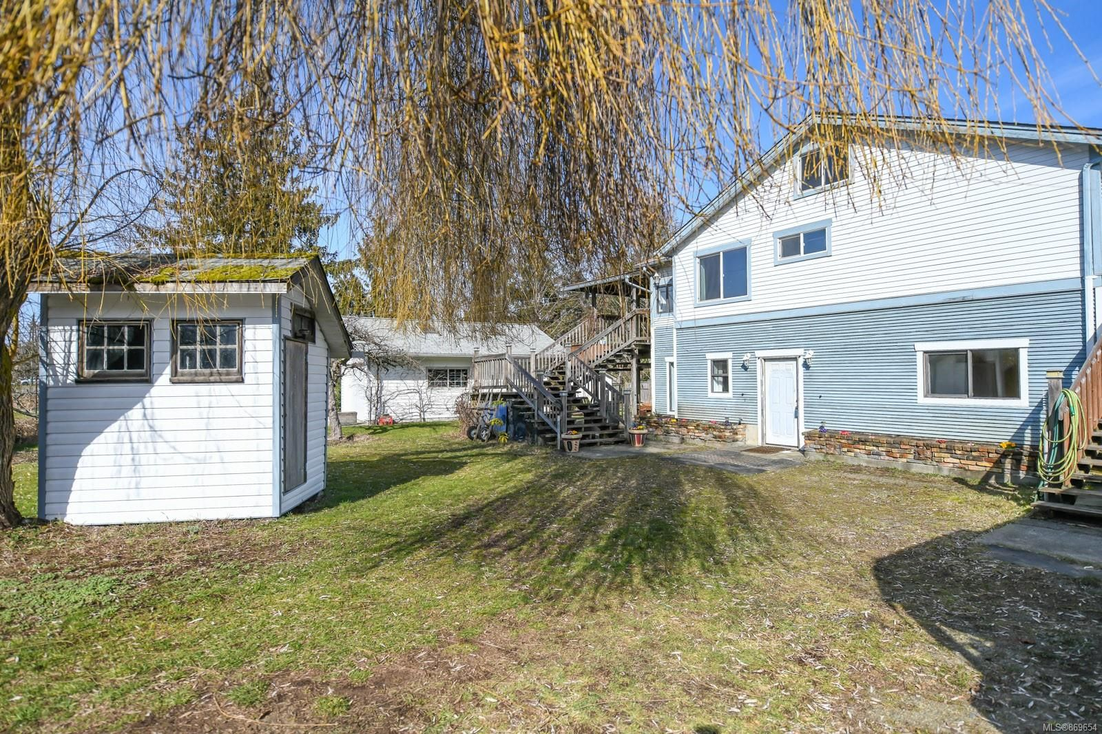 Photo 2: Photos: 4712 Cumberland Rd in : CV Cumberland House for sale (Comox Valley)  : MLS®# 869654