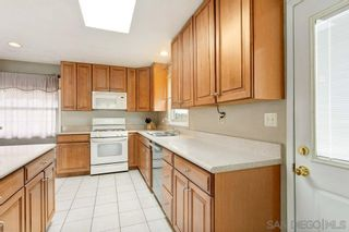 Photo 7: SAN DIEGO House for sale : 3 bedrooms : 7125 Galewood St