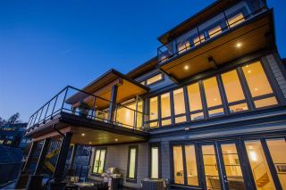 """Photo 2: B 2640 LARKSPUR Court in Abbotsford: Abbotsford East House for sale in """"Eagle Mountain"""" : MLS®# R2344848"""