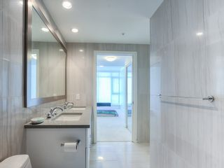 "Photo 9: 708 199 VICTORY SHIP Way in North Vancouver: Lower Lonsdale Condo for sale in ""TROPHY @ THE PIER"" : MLS®# R2445451"