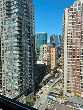 """Photo 15: 1801 909 MAINLAND Street in Vancouver: Yaletown Condo for sale in """"Yaletown Park 2"""" (Vancouver West)  : MLS®# R2625603"""
