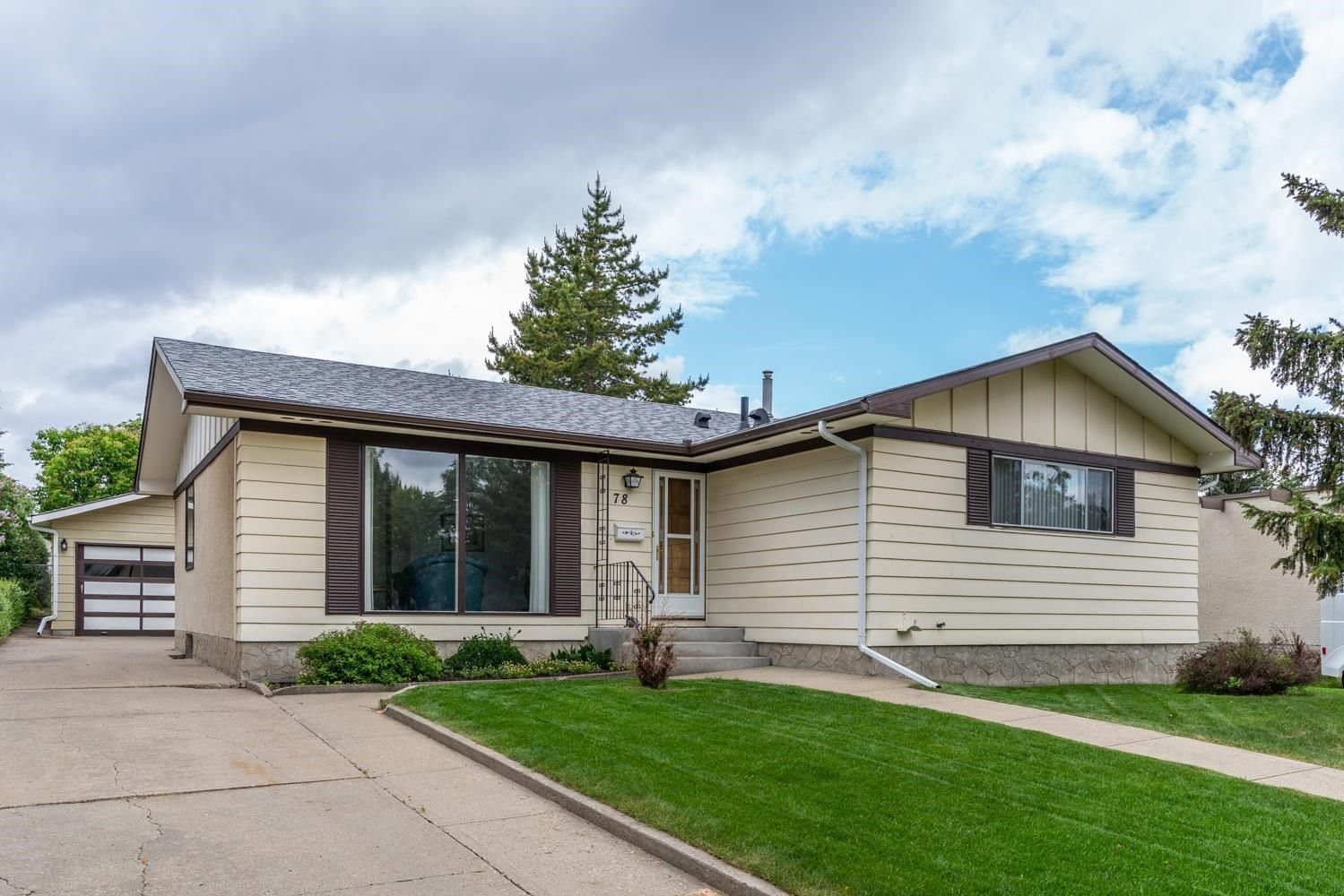 Main Photo: 78 CIRCLEWOOD Drive: Sherwood Park House for sale : MLS®# E4248762