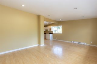 Photo 10: 29858 FRASER Highway in Abbotsford: Aberdeen House for sale : MLS®# R2477913
