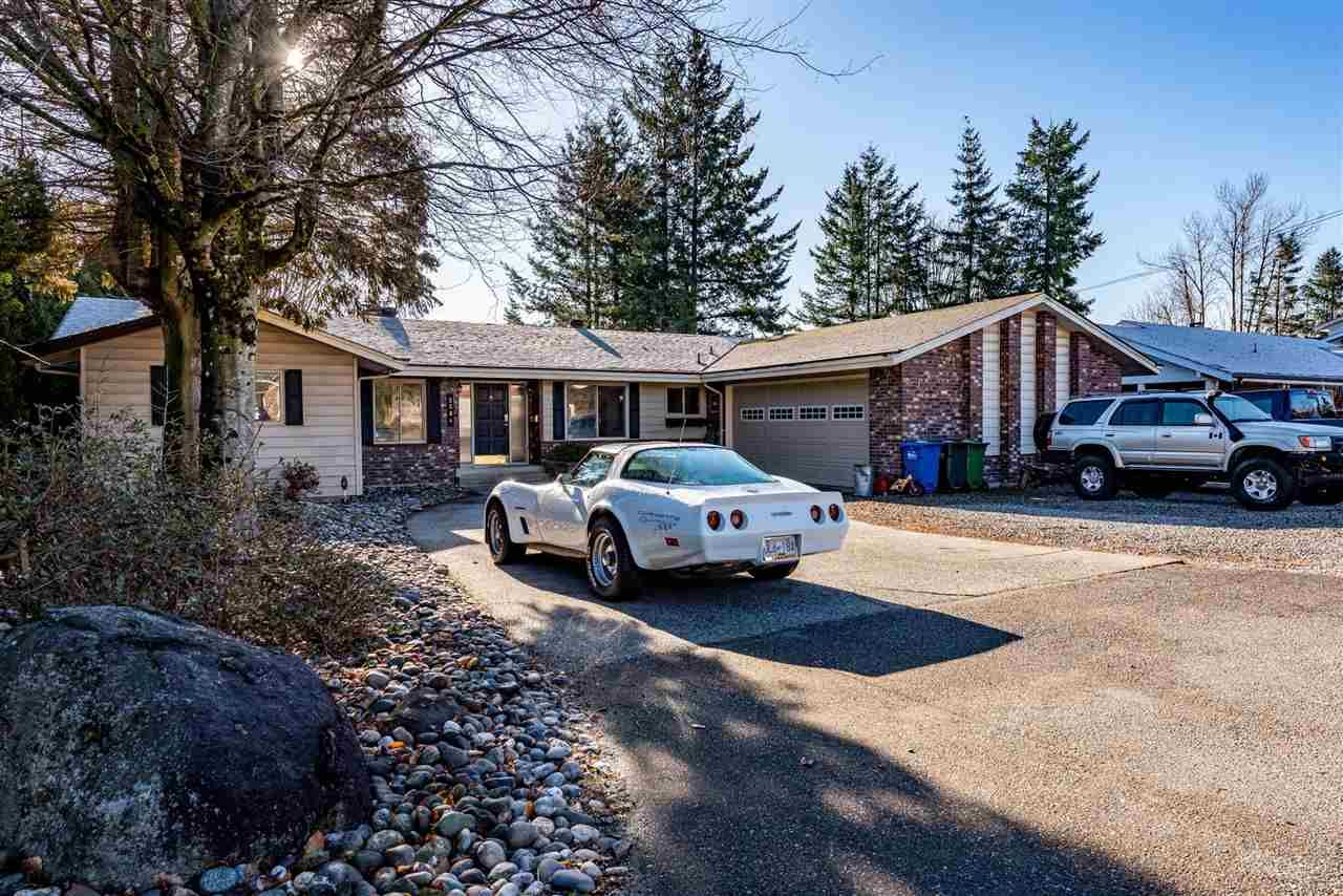 Photo 1: Photos: 2584 SUNNYSIDE Crescent in Abbotsford: Abbotsford West House for sale : MLS®# R2551772