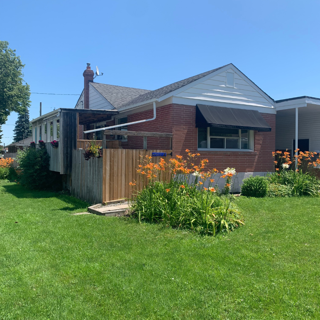 Main Photo: 269 S Central Park Boulevard in Oshawa: Donevan Freehold for sale