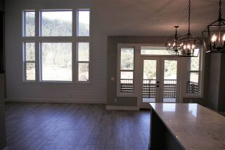 "Photo 5: 38 1885 COLUMBIA VALLEY Road: Lindell Beach House for sale in ""AQUADEL CROSSING"" (Cultus Lake)  : MLS®# R2212613"