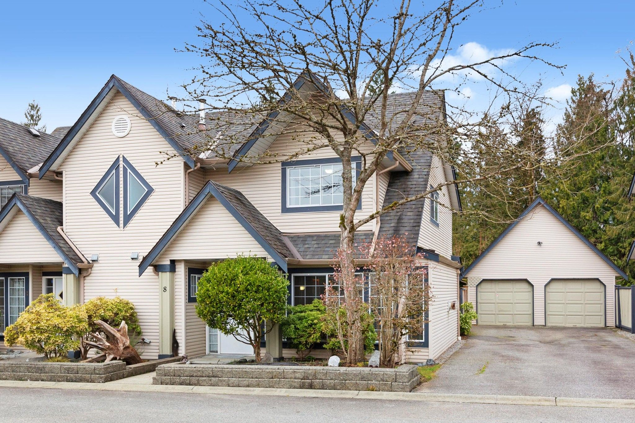Main Photo: 8 11536 236 Street in Maple Ridge: Cottonwood MR Townhouse for sale : MLS®# R2555572