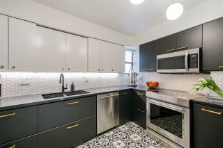 """Photo 4: 5560 YEW Street in Vancouver: Kerrisdale Townhouse for sale in """"The Diplomat"""" (Vancouver West)  : MLS®# R2553086"""