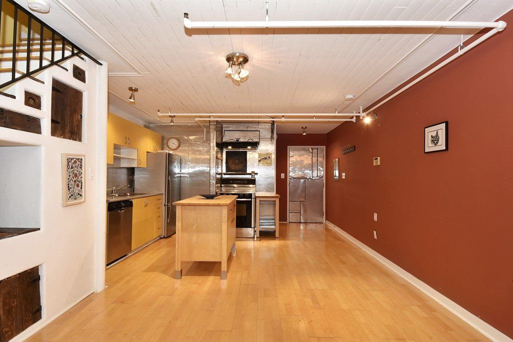 """Photo 7: Photos: 110 237 E 4TH Avenue in Vancouver: Mount Pleasant VE Condo for sale in """"ARTWORKS"""" (Vancouver East)  : MLS®# R2122835"""